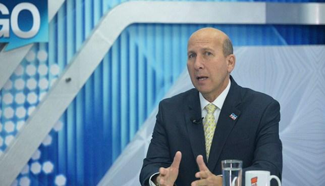Javier Simán propone eliminar algunos impuestos pagados por la población