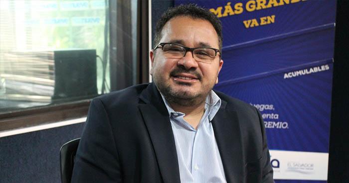 Jorge Daboub exige al FMLN entregar al expresidente Mauricio Funes