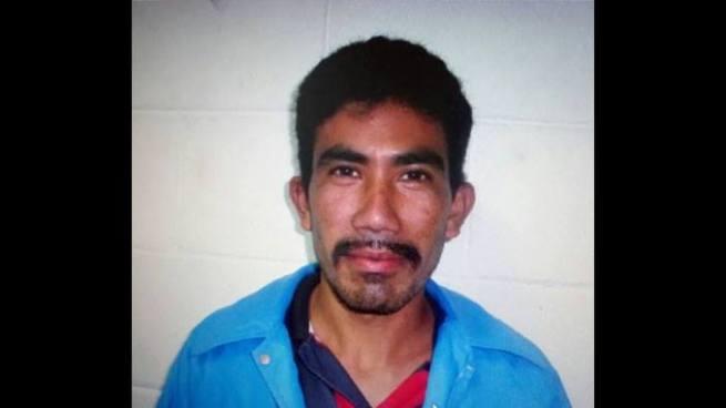Sujeto logra escaparse cuando era trasladado de una delegación de Santa Ana a un penal
