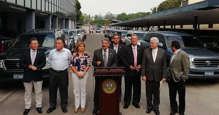 Junta directiva de la Asamblea Legislativa declina usar vehículos designados