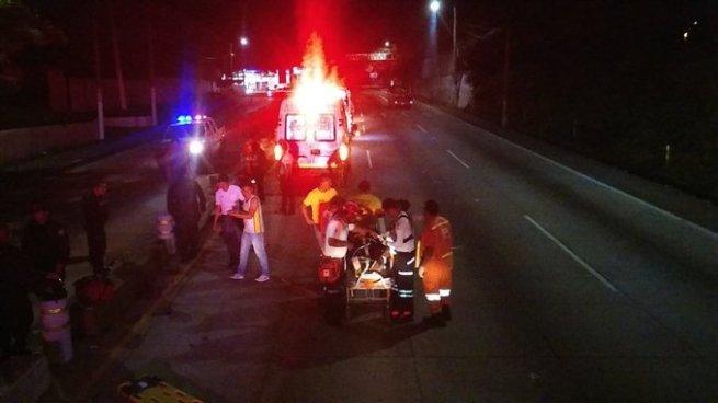 Dos motociclistas lesionados tras accidente de tránsito en carretera Los Chorros