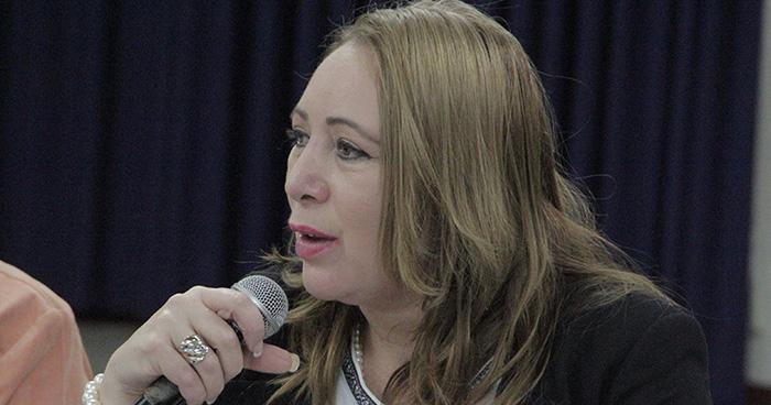 Ministra de economía contesta a advertencia de embajadora de EE.UU por una posible injerencia China en el país