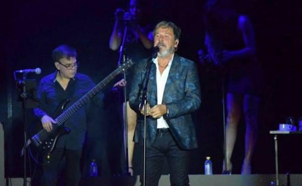 Ricardo Montaner hizo cantar a cientos de salvadoreños en CIFCO