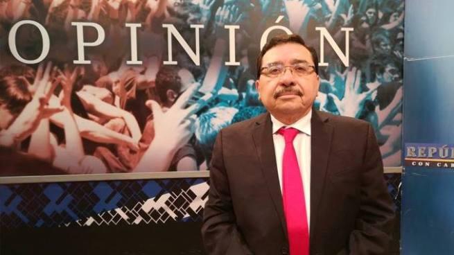 Medardo González culpa a casas encuestadoras por las bajas calificaciones del presidente