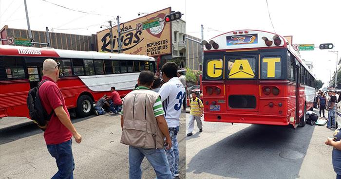 Autobús de la ruta 3 embiste a una anciana en el centro de San Salvador