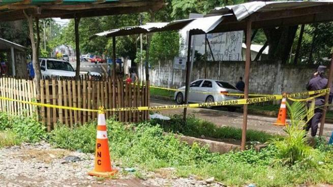 Mujer se suicida frente a un hospital San Miguel por problemas familiares