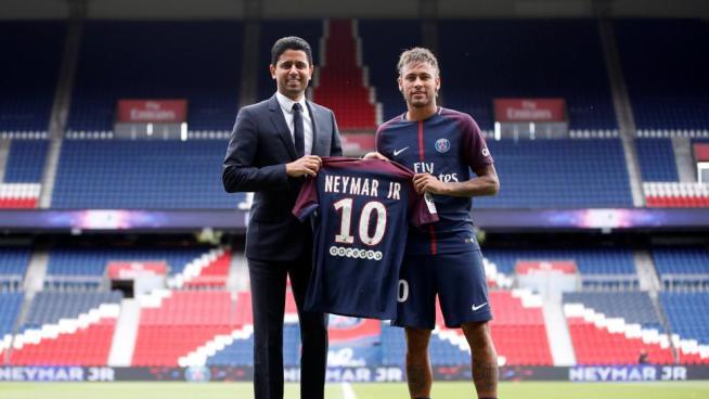 """Neymar la nueva joya de París dice que fichó por el PSG en busca de """"un nuevo desafío"""""""