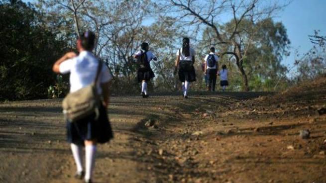 Condenan a hombre que violó a una niña que se dirigía a su escuela en Morazán