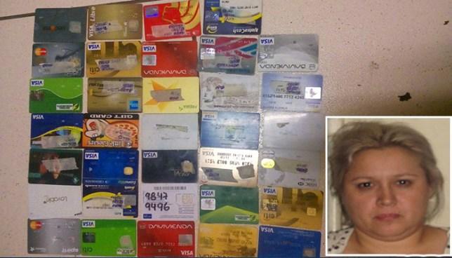Capturan en La Libertad a mujer hondureña que clonaba tarjetas de crédito