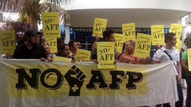 Organizaciones sociales exigen eliminar a las AFP´s del sistema de pensiones