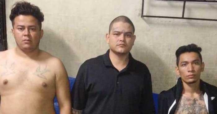 PNC captura a pandilleros que se paseaban a bordo de un vehículo en San Salvador