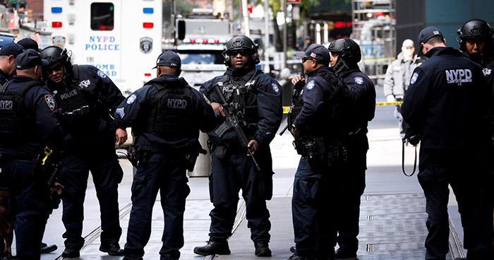 Autoridades confirman la aparición de más paquetes sospechosos en la Florida y Nueva York