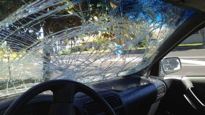 Delincuentes lanza rocas a automovilistas en el bulevar Monseñor Romero