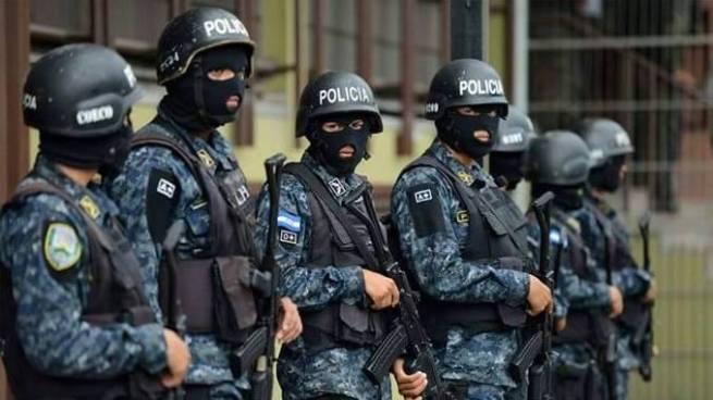 Policías de Honduras se niegan a salir a las calles por la crisis política que vive el país