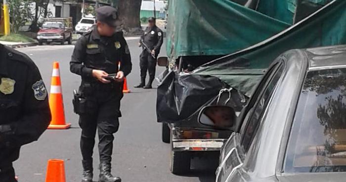 Condenan a agente de la PNC por hurtar $4 mil dólares durante un control vehicular