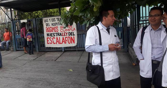 Sindicalistas del Hospital Bloom reducen nuevamente labores en protesta por el escalafón