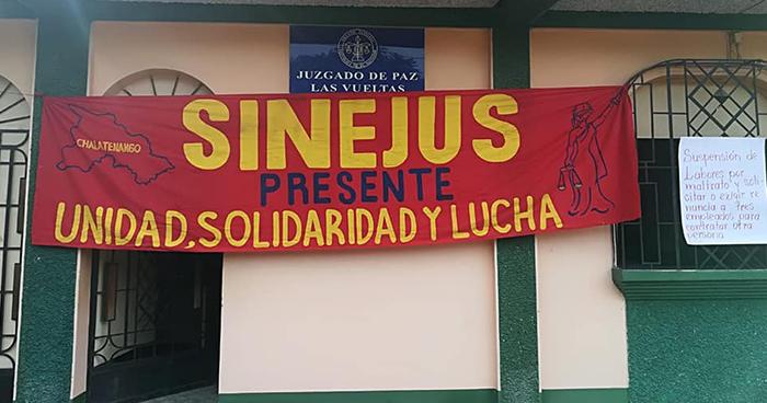 Detienen a sindicalistas por tomarse instalaciones de juzgado en Chalatenango