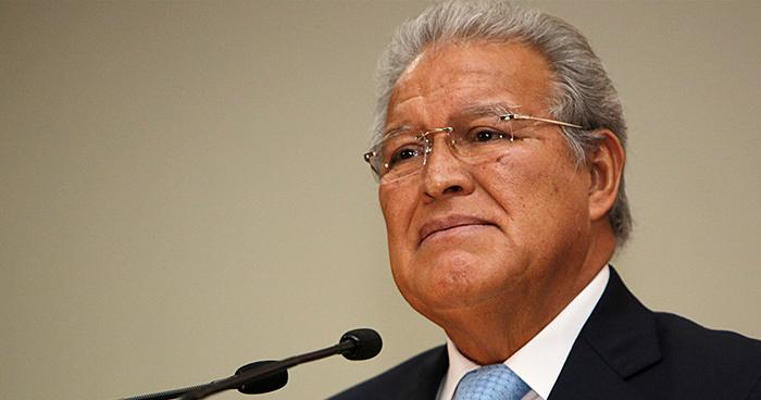 Salvadoreños reprueban con 4.6 de nota la gestión del presidente Sánchez Cerén