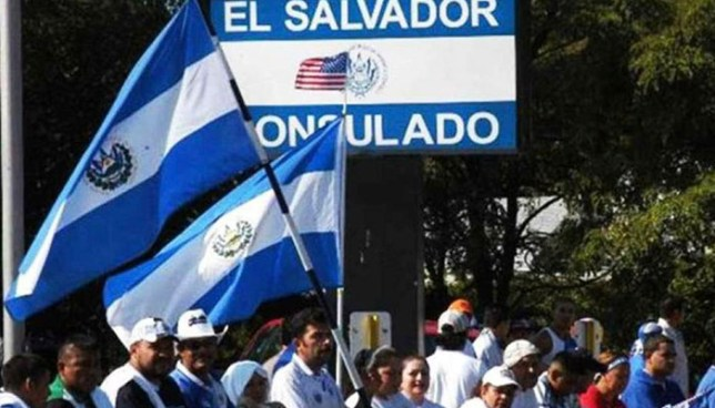Salvadoreños amparados al TPS y sus hijos nacidos en EE.UU demanda al gobierno