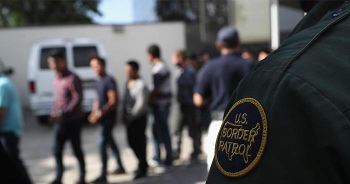Estados Unidos comienza a deportar a padres salvadoreños separados de sus hijos
