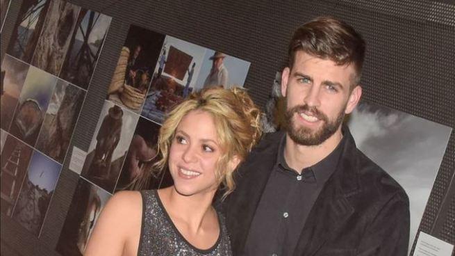 Vídeo: Shakira canta para Piqué tras los rumores de separación