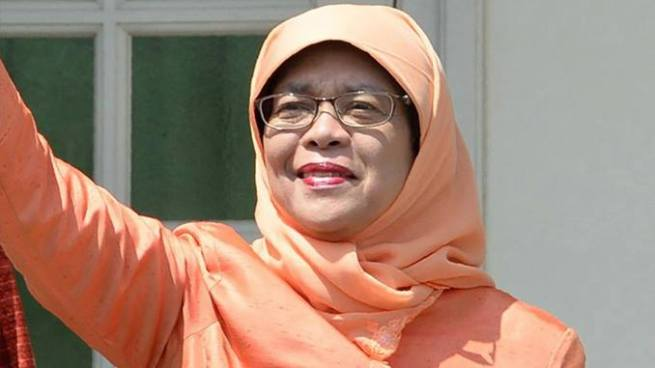 Halimah Yacob se convierte en la primera mujer presidenta de Singapur