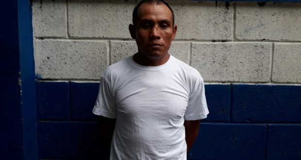 Capturan a sujeto que embarazó 2 veces a su hija 15 años en Sonsonate