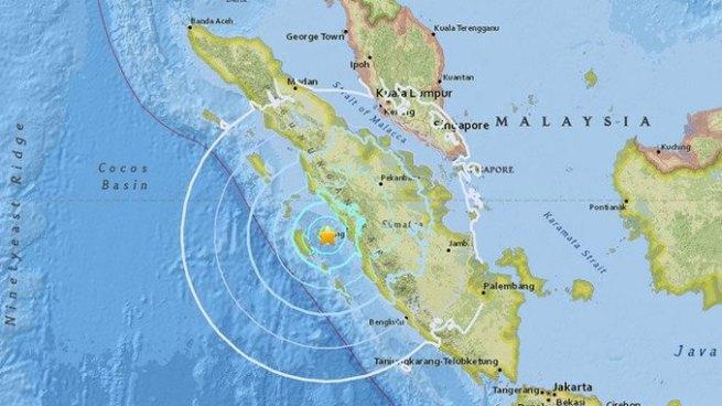 Fuerte terremoto de 6.2 sacude costas de Indonesia