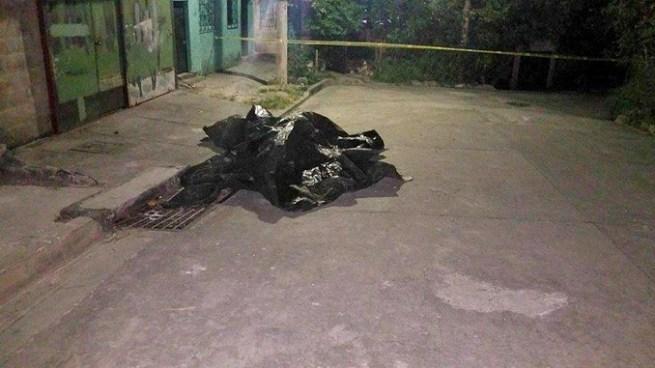 Matan a un vigilante y abandonan su cadáver a la orilla de una cuneta en Mejicanos