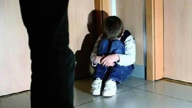 Condenan a hombre que violaba a su hijastro de 8 años de edad en La Paz