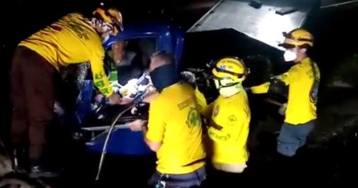 Conductor lesionado tras fuerte choque sobre carretera de Oro