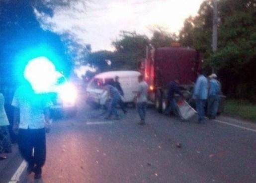 Triple accidente de tránsito deja dos lesionados en San Pedro Nonualco