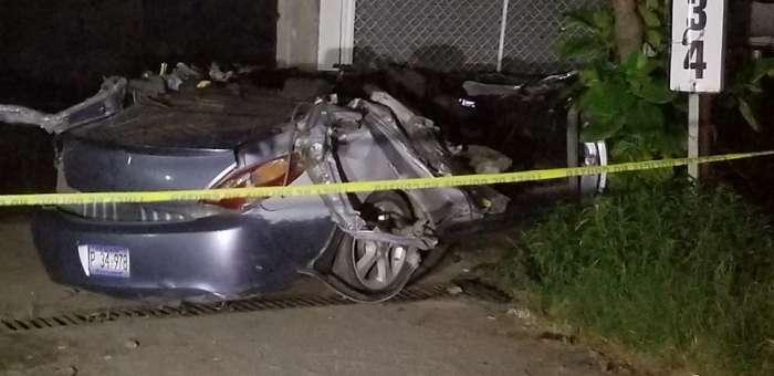 Conductor en estado de ebriedad muere luego de pasar abajo de una rastra en carretera Troncal del Norte