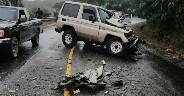 Un lesionado tras choque en carretera de Ahuachapán
