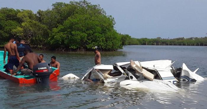 Cuatro muertos en accidente de avioneta en Roatán, Honduras
