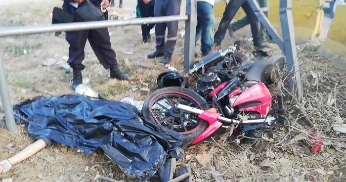 Accidente de motocicleta cobra la vida de una joven en carretera de Santa Ana
