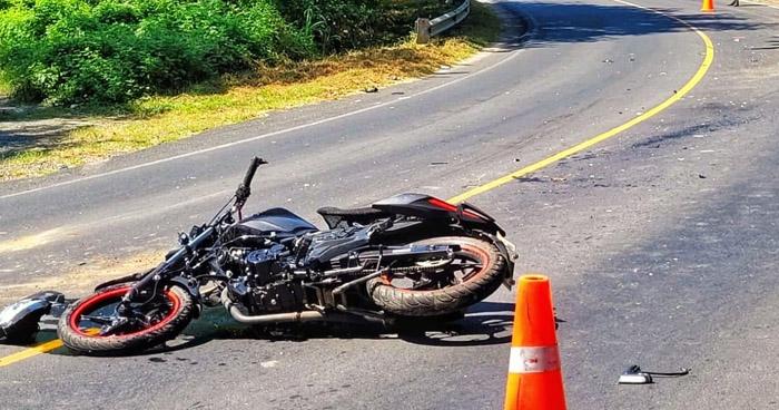 Motociclista lesionado tras chocar contra una ambulancia