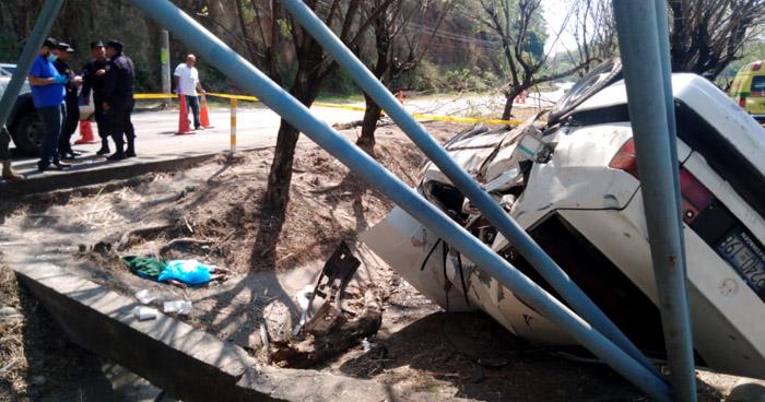 Niña de 3 años muere en aparatoso accidente en autopista a Comalapa