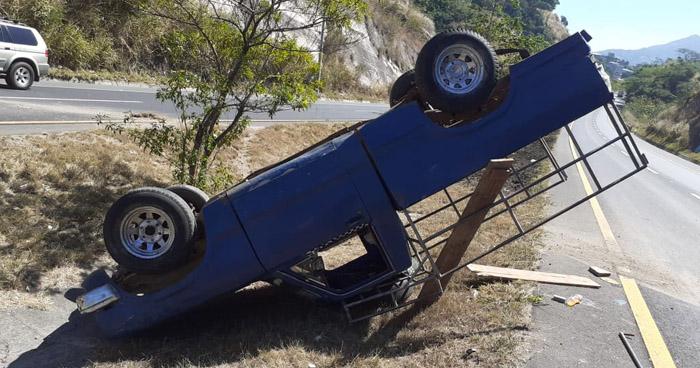 Varios lesionados tras accidente de tránsito en carretera de Oro
