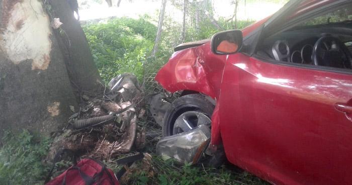 Un lesionado tras fuerte accidente en carretera a Santa Ana