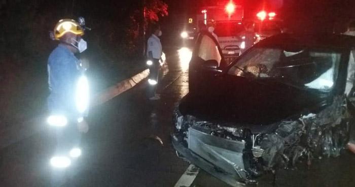 Un extranjero entre lesionados tras fuerte accidente en carretera al Puerto de La Libertad