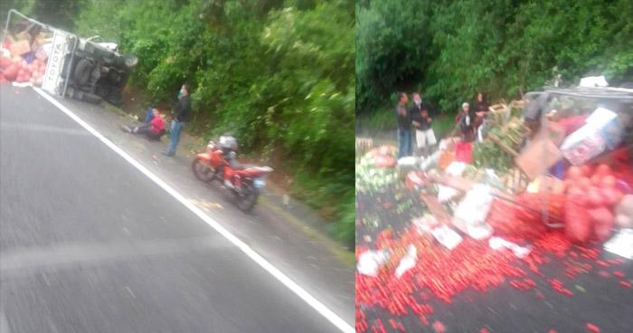 Tres lesionados graves tras vuelco de camión en carretera Panamericana