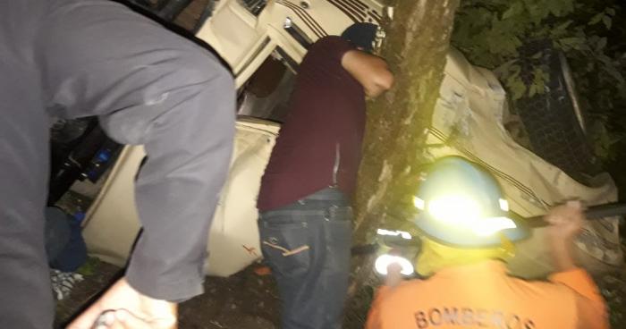 Un fallecido y 11 lesionados tras accidente de transito en San Ignacio, Chalatenango