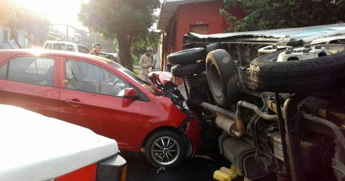 Al menos 5 lesionados tras accidentes de transito esta mañana en Santa Tecla y la Carretera de Oro