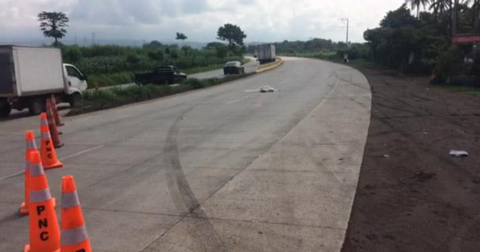 Camión cisterna atropella y mata a concejal de la alcaldía de Nahulingo en Sonsonate