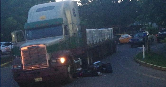 Acompañante de motociclista muere en accidente de tránsito en La Unión