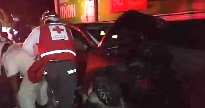 Cuatro lesionados tras fuerte accidente en carretera al Puerto de La Libertad