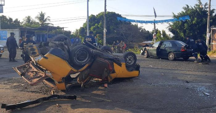 Múltiple choque deja varios lesionados en Ahuachapán