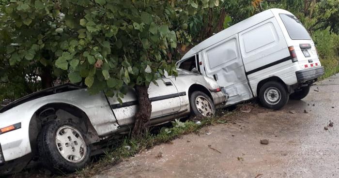 Un fallecido y dos lesionados tras triple choque en carretera a Comalapa