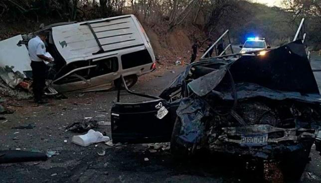 Un muerto y 14 lesionados dejó aparatoso accidente de tránsito en carretera de Jocoro, Morazán